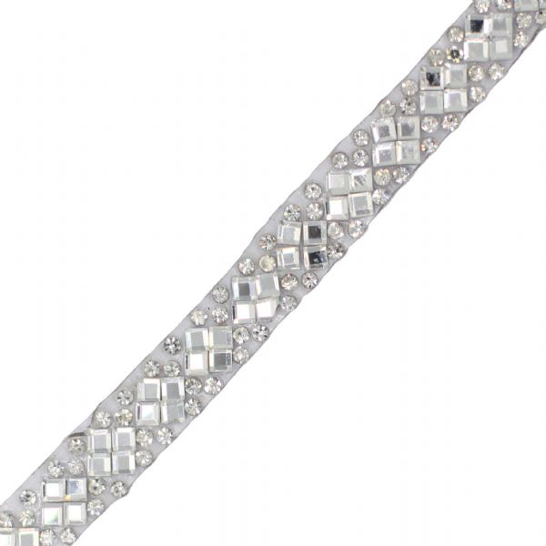 1 metre x 9 mm Clear crystals, round and diamond